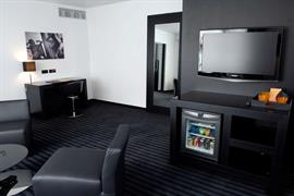 92946_007_Guestroom
