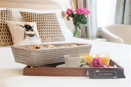hotel-collingwood-bedrooms-01-56104