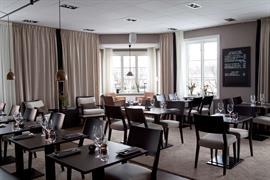 88228_001_Restaurant