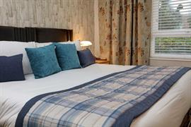 the-judds-folly-hotel-bedrooms-01-84264