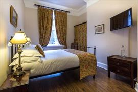 lamb-and-lion-inn-bedrooms-10-56100