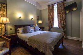 lamb-and-lion-inn-bedrooms-16-56100