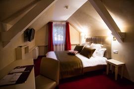 93834_002_Guestroom
