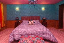 07028_005_Guestroom