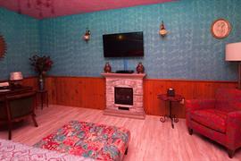07028_006_Guestroom