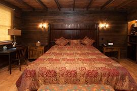 07028_007_Guestroom