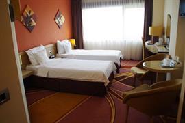 77596_003_Guestroom