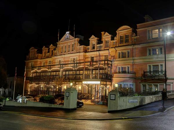 the-norfolk-royale-hotel-grounds-and-hotel-01-84262