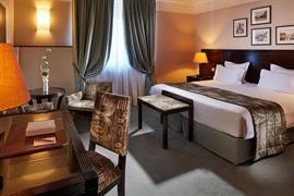 93843_005_Guestroom