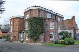rossett-hall-hotel-grounds-and-hotel-01-83553
