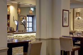 rossett-hall-hotel-dining-04-83553