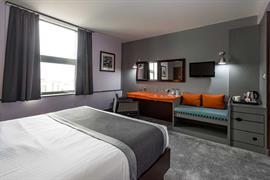 sheffield-metropolitan-hotel-bedrooms-01-84260