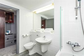 sheffield-metropolitan-hotel-bedrooms-05-84260