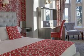 sure-hotel-lockerbie-bedrooms-01-83550