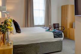 sure-hotel-newcastle-bedrooms-04-84269