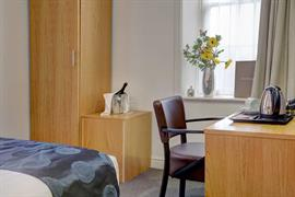 sure-hotel-newcastle-bedrooms-05-84269