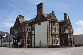 sure-hotel-lockerbie-grounds-and-hotel-01-83550
