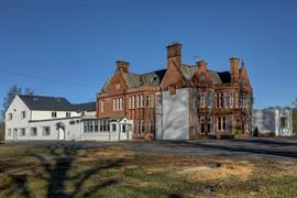 sure-hotel-lockerbie-grounds-and-hotel-03-83550