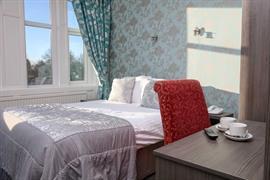 sure-hotel-lockerbie-bedrooms-09-83550