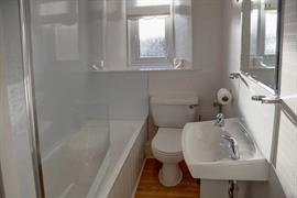 sure-hotel-lockerbie-bedrooms-11-83550