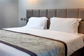 sure-hotel-lockerbie-bedrooms-21-83550