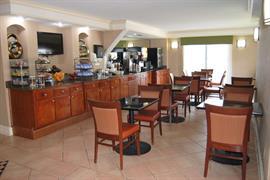 54001_002_Restaurant