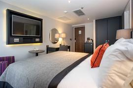 ten-hill-place-hotel-bedrooms-19-84207