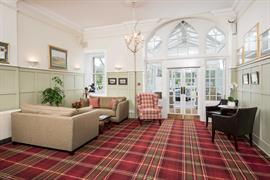 the-inveraray-inn-grounds-and-hotel-09-83551