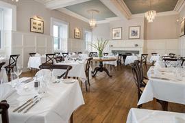 the-inveraray-inn-dining-05-83551