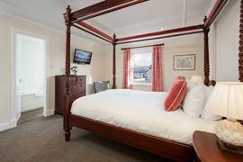 the-inveraray-inn-bedrooms-20-83551