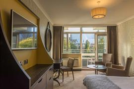 the-lincoln-hotel-bedrooms-04-56102