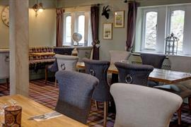 the-new-hobbit-hotel-dining-02-84256