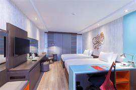 78034_004_Guestroom
