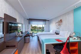 78034_005_Guestroom