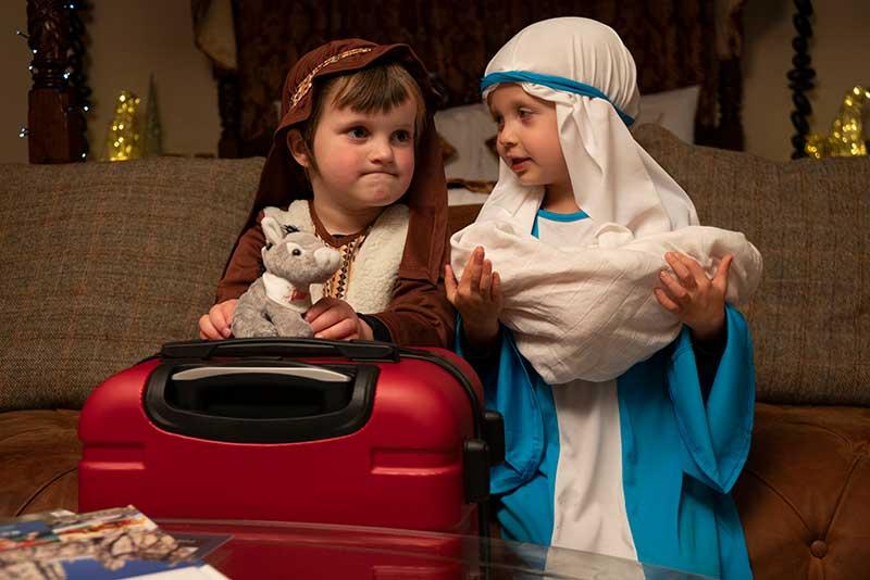 dixie-teddy-with-children